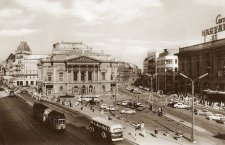 Miért kellett lebontani a Nemzeti Színházat?