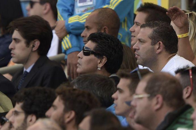 Így vágta pofon az újságírót Maradona