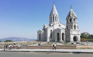 Jereván: az azerbajdzsániak örmény kulturális örökséget rombolnak