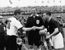 Hogy kaphatott ki a berni döntőben a toronymagas esélyes Aranycsapat a német válogatottól?