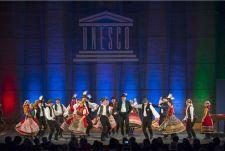 """Lefújták a Simon Wiesenthal Központ """"történelmi"""" kiállítását a párizsi UNESCO Palotában"""