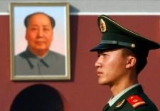 Ez a szép a kommunizmusban: a marxista tanszék vezetőjét is elvitte a nagy fekete autó Kínában