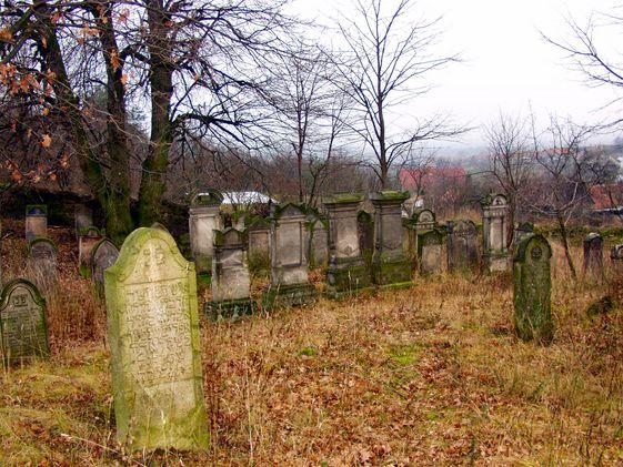 A jövő nemzedékei már csak ősi zsidó sírokkal találkoznak egykoron Magyarföldön