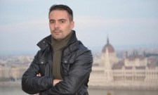 Vona: Orbán migránsa peep show-nak nézett egy dohányboltot