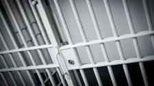Dugimobilokat és gyanús tabletták a börtönökben