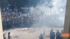 Robbanás volt a kijevi parlamentnél: ötvennél is több a sérült – VIDEÓ