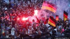 """Iraki és szíriai késelt meg egy """"német-kubait"""", elkeseredett németek és antifák ezrei vonultak az utcára"""