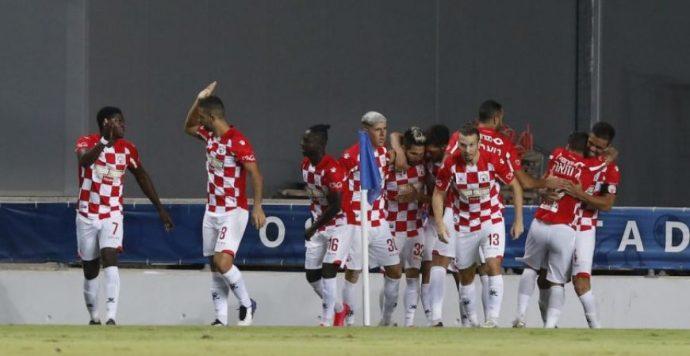 Kettős mérce? Hiába a pozitív teszt, pályára léphetnek az izraeli játékosok