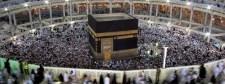 Mekkában, a Nagy Mecsetben, több ezer ember között lett öngyilkos egy férfi – Videó