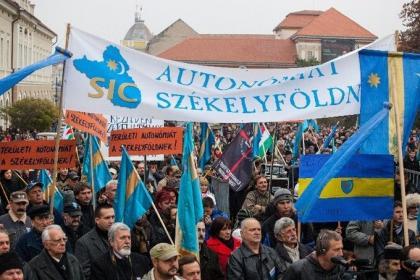 Tovább menetelünk az autonómia felé!