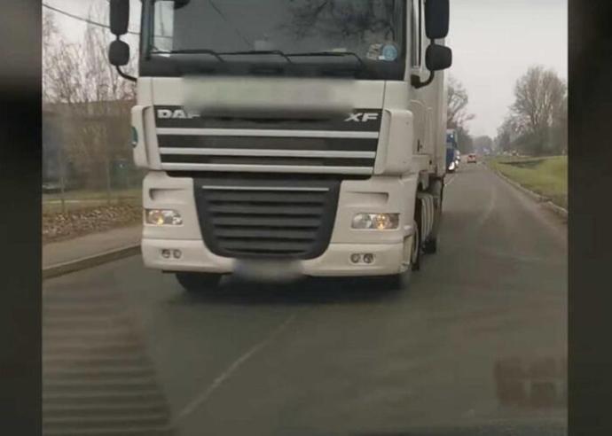 Életveszélyes kamionos (Video)
