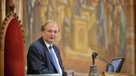 Hiller Budaházyék perén: amikor egy MSZP-SZDSZ-es hazaáruló gazemberezi a hazafiakat