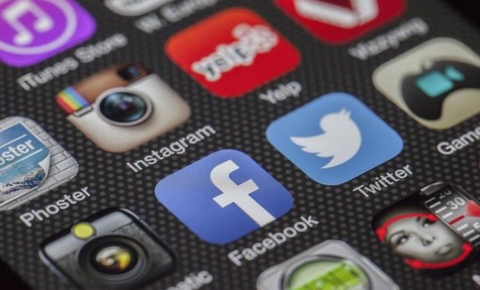 Német figyelmeztetés: külföldieknek is elég egy Facebook-like, hogy török börtönben végezzék
