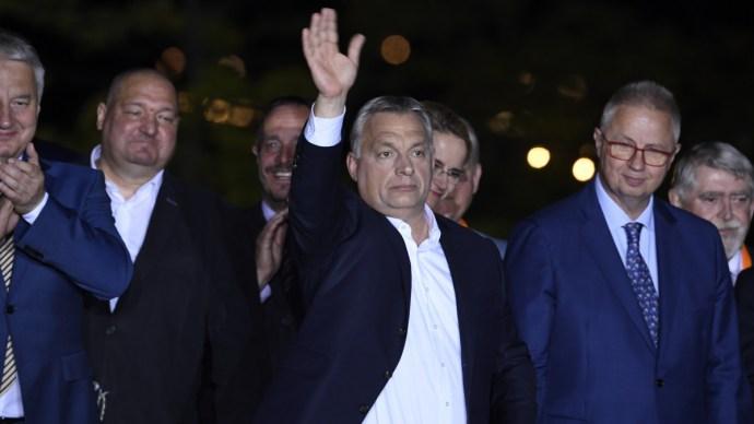 Elemzők: a Fidesznek az Európai Néppárthoz kell visszamennie, ha politikai tényező akar maradni