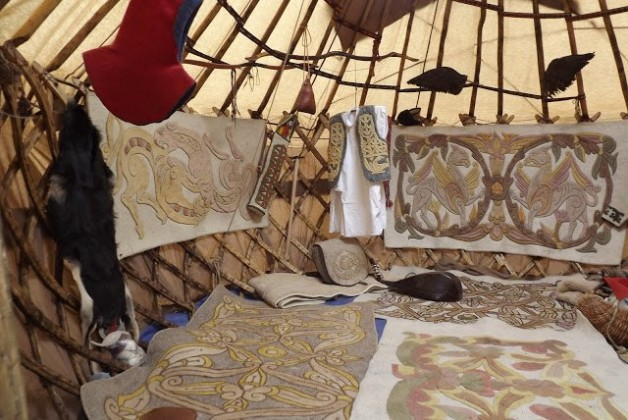 Hatalmas jurta falu épül a Kurultajon