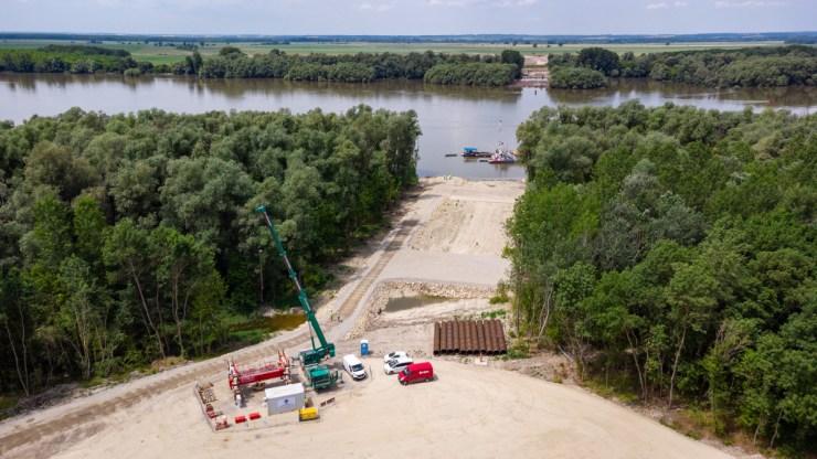 Így áll a százmilliárdos új Duna-híd építése