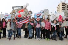 Aleppo lakosai tüntettek az amerikai beavatkozás és jelenlét ellen (képek)