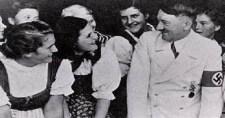"""Így emlékszik ma szobalánya a Führerre: """"Hitler volt a tökéletes főnök!"""" (2008)"""