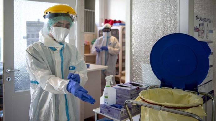 Koronavírus: tíz újabb beteg, két ember elhunyt Magyarországon