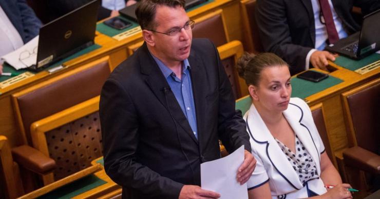 Semmi meglepő: újabb prominens politikus távozik a Jobbikból