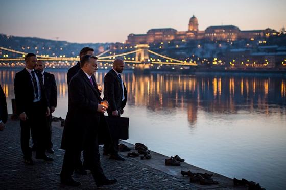 Természetesen a legfontosabbra is sort kerített Orbán és Cameron