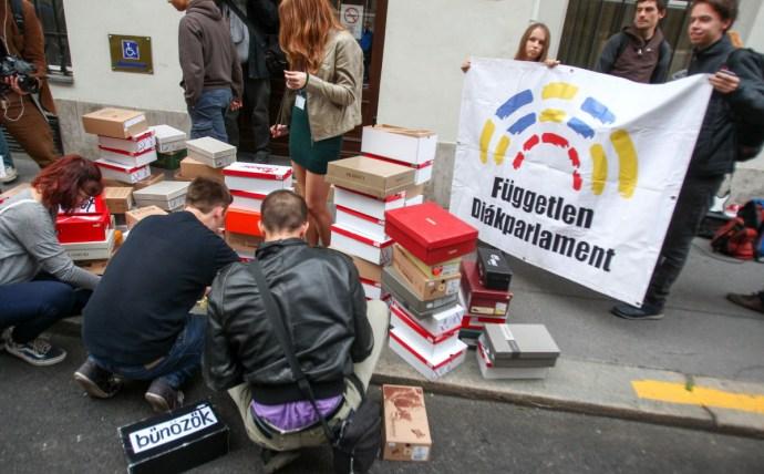 Érdektelenségbe fulladt a budapesti diáktüntetés