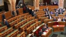 Óriási öngólt rúgott az ellenzék