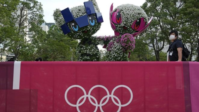 Szurkolók, kézfogás és ölelkezésmentes olimpia veszi kezdetét Tokióban