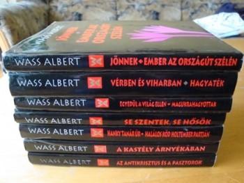 A rendőrség eltávolíttatta Wass Albert regényeit a csíksomlyói standokról