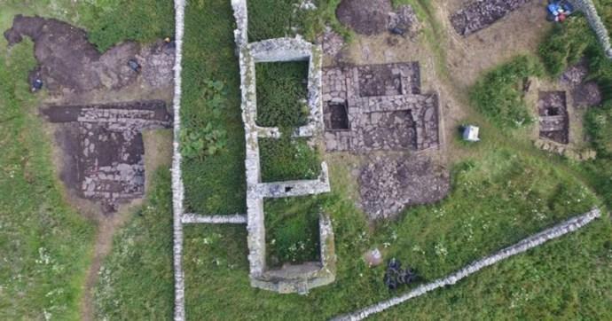 800 éves föld alatti viking ivócsarnokot fedeztek fel a régészek