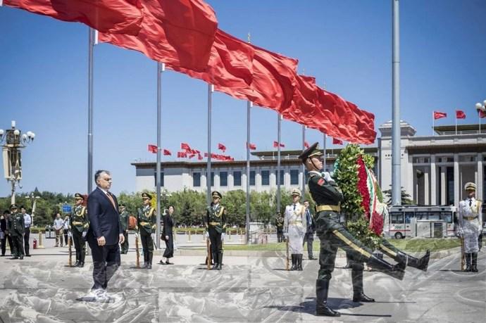Orbán Kínától is megvédi Európát! Ja, nem…