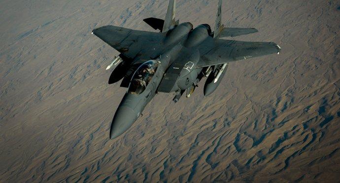 Ez is eljött: az USA légiereje védelmezi az Iszlám Állam terroristáit Szíriában