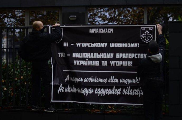 """A """"magyar szeparatizmus"""" ellen tüntettek az ukrán soviniszták – azt ígérik, le fogják verni a """"kárpátaljai magyar felkelést"""""""