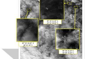 Műholdfelvétel: megvannak a maláj gép roncsai