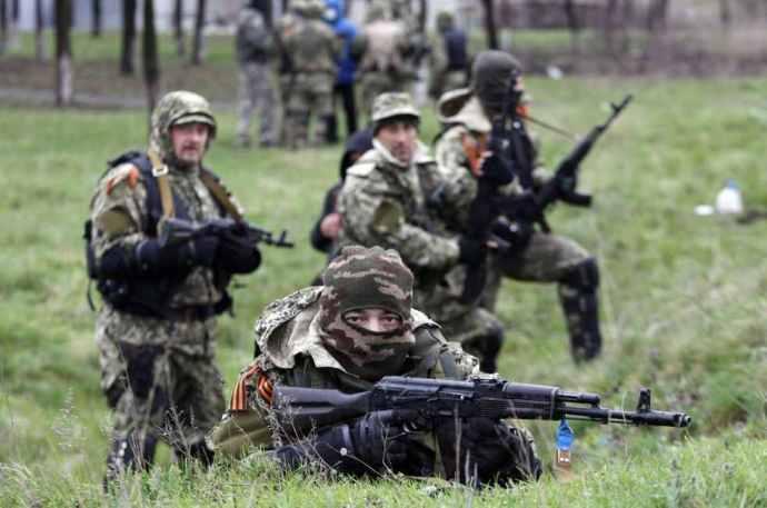 Súlyos harcok Donyeckben és Luhanszkban