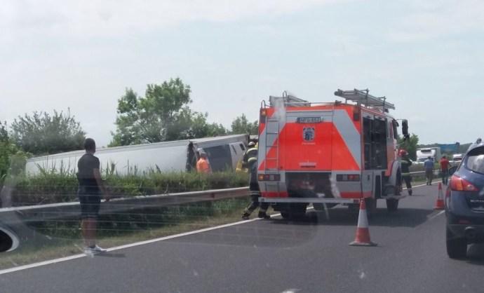 Hatalmas baleset történt az M7-en