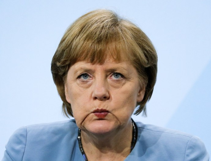 Ezért maradhat Merkel a székében