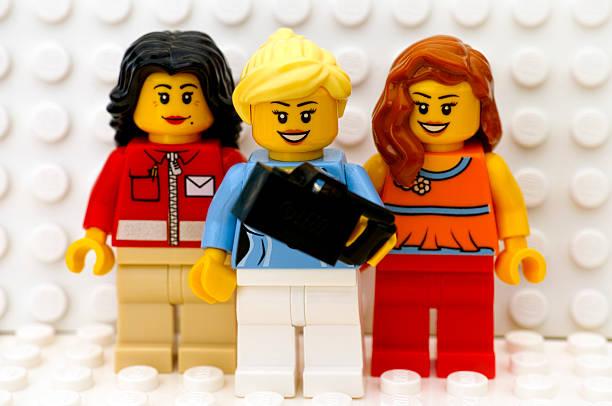 A Lego a nemi sztereotípiák eltörlésére fog törekedni az építőkockáinak gyártásakor
