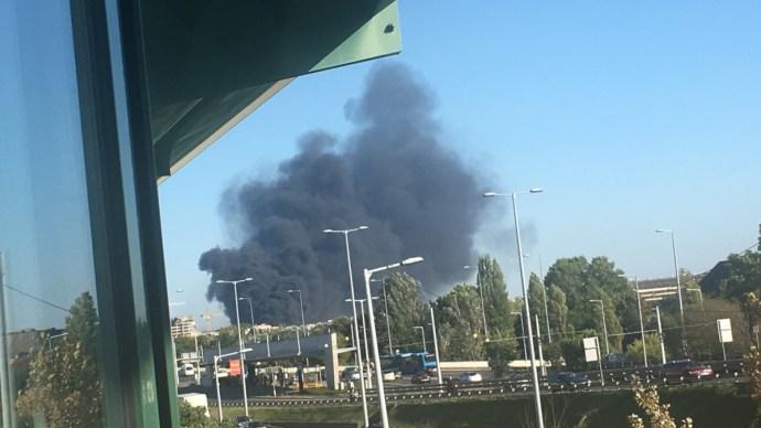 Videók a hatalmas angyalföldi tűzről