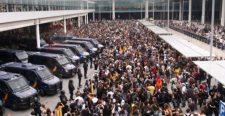 Katalán válság – Tüntetők akadályozzák a barcelonai repülőtér elérését