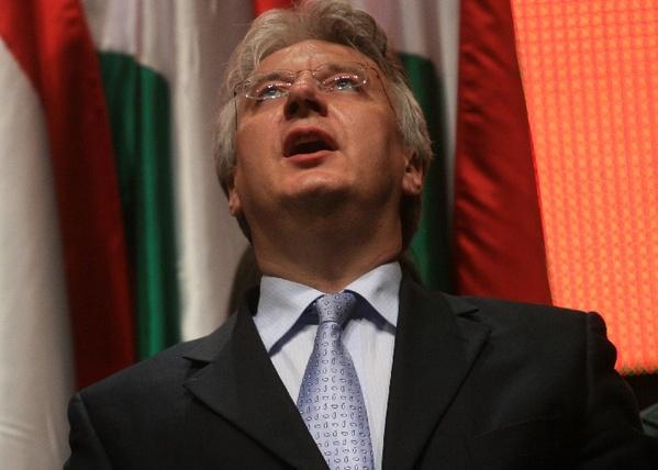 Nekiment az Evenimentul Zilei a magyar kormánynak