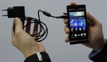 Törvénnyel avatkozna be az okostelefon-használatba az unió