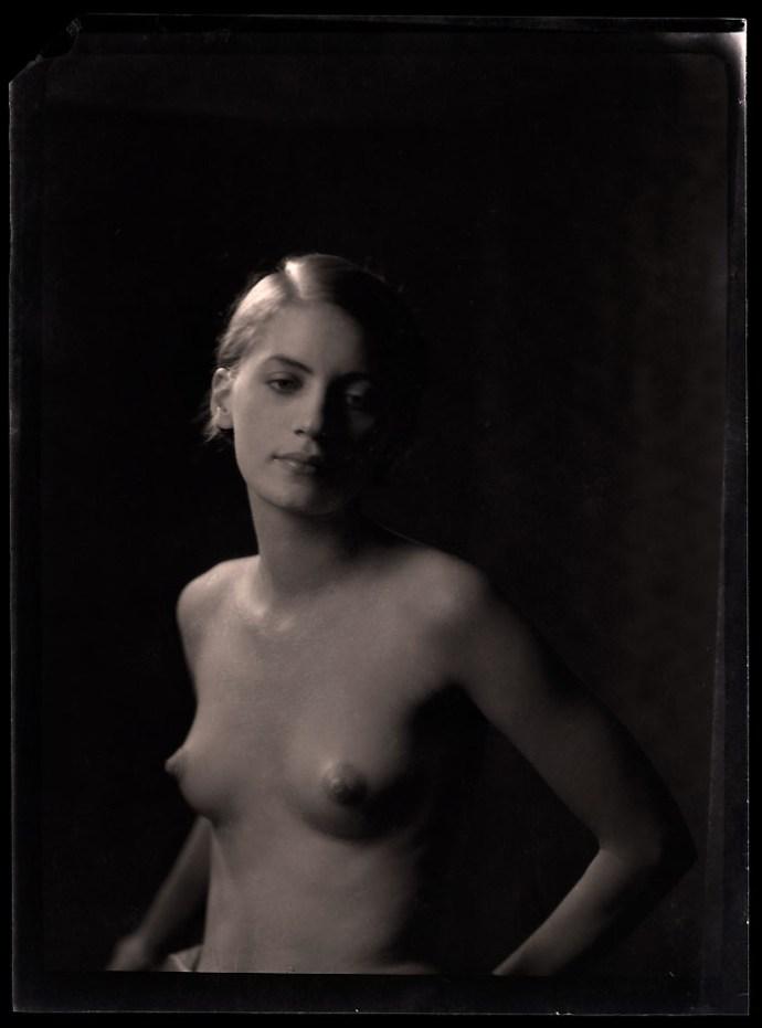 Mit keresett egy Vogue-modell 1945-ben Hitler fürdőkádjában?
