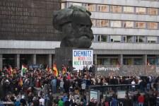 Újra a migránsterror ellen tüntettek Chemnitzben, míg a bíróság megmentette a németeket egy karlendítőbűnözőtől