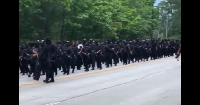 """Fegyveres néger milíciák masíroztak a Ku Klux Klan egykori """"szívében"""""""