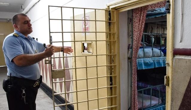 FSANP: a fogvatartottak fele sem hajlandó beoltatni magát, ez veszélyt jelent a börtönökben dolgozókra