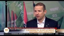 Toroczkai: ezek az idegenszívű újságírók mindig a magyarság tragédiáin gúnyolódnak