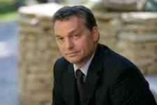 Lánczi: Nem biztos, hogy a tüntetések miatt döntött így Orbán