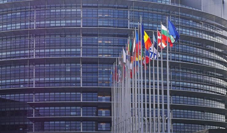 A Fidesz EP-képviselői kiállnak a nemzeti alkotmányok védelmében
