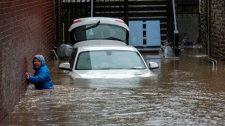 Letarolta a Dennis nevű vihar a Brit-szigetek egy részét
